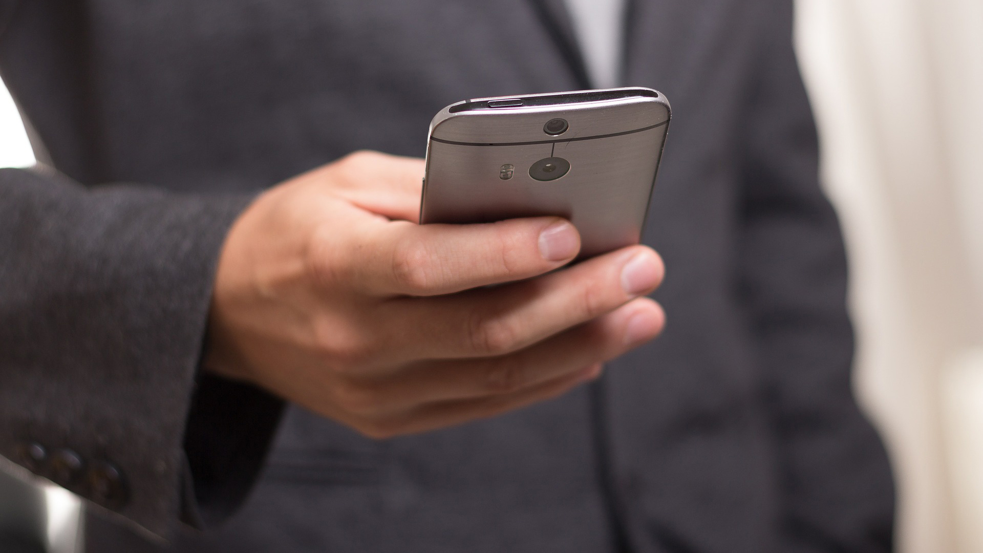 Sign documents online with your smart phone
